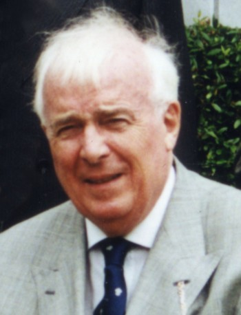 Dr Robin Moffat OW 1938-45